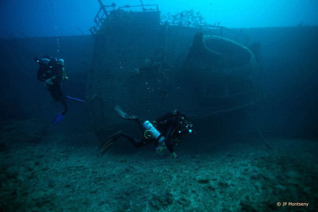 Plongeur recycleur sur épave Antonio Lorenzo